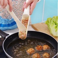 Wholesale wholesale meatballs - Creative Meat Cooking Utensil DIY Meatball Tool Apparatus Kitchen Small Gadget For Meatball Plastic White Producer High Quality 1ry V