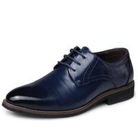 Wholesale comfortable dress shoes men - Men Oxfords Leather Shoes British Brown Brogue Shoes handmade comfortable formal dress men flats Lace-Up Bullock
