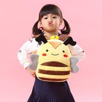personagens de desenhos animados amarelos venda por atacado-Bebê adorável dos desenhos animados bolsa de escola personagem crianças design de abelha amarela mochila de pelúcia jardim de infância meninos meninas mini sacos bonitos brinquedos