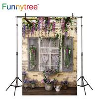 spray vintage venda por atacado-Funnytree fundo para estúdio de fotografia Suporte de flor janela de madeira do vintage jardim parede de tijolo fotografia cenário photocall prop