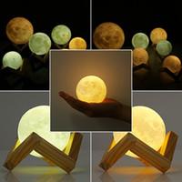 şarj lambaları toptan satış-3D Büyülü Ay Lambası 2018 3D Büyülü LED Luna Gece Işık Ay Lambası Masa USB Şarj Dokunmatik Kontrol Hediye