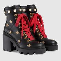 botas italia mulheres venda por atacado-Roman Black Itália Real Couro Martin Botas Mulheres Ankle Boot Americano Bordar Sapatos de Abelhas Quadrado e Sapatos de Salto Alto Sapatos Femininos
