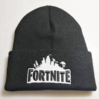 Ricamo Fortnite Unisex inverno Beanie Ricamo cappello lavorato a maglia per  bambini cappelli di cartone animato Bonnet Beanie Berretti a maglia per  bambini ... 08a7a367072b