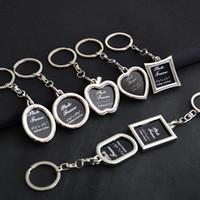 metal fotoğraf çerçevesi anahtarlık toptan satış-Fotoğraf Çerçevesi Yuvarlak Kalp Apple Oval Eşkenar Dörtgen Şekli Metal Alaşım Anahtarlık Anahtarlık Anahtarlık Araba Anahtarlıklar Çiftler Anahtarlık İş Hediye
