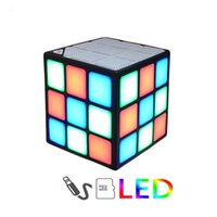 tarjetas mágicas flash al por mayor-Nuevo Regalo Mini Magic Cube Colorido Inalámbrico Portátil Bluetooth Altavoz LED Flash Light Support TF Tarjeta