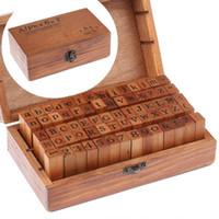 conjuntos de sellos de madera al por mayor-70 piezas Sellos de madera de caucho Alfabeto Letra Número Set de madera Caja de madera sellos con caja de madera