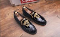 erkek kayma ayakkabıları toptan satış-2018 Yeni Moda Erkekler Loafer'lar Flats Ayakkabı Çiçek Nakış Slip-on Ayakkabı Rahat Elbise Erkek Düğün Ayakkabı Rahat Ayakkabı BMM251