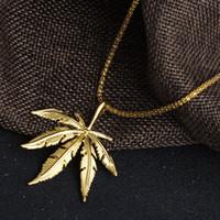 akçaağaç yaprağı kolye gümüş toptan satış-Sıcak Satış Yeni Tasarım HipHop NecklacePendant Maple Leaf Kolye Uzun Altın Gümüş Zincir Hip Hop Bling Kolye Erkekler için D794S