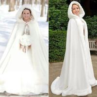 gelinlik ceketleri sarar toptan satış-Mükemmel Kış 2019 Artı boyutu Gelin Şal Ceketler Pelerin Taklit Kürk Yılbaşı Pelerinler Coats Kapşonlu Düğün Sarar Gelinlik