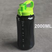 garrafa de agitador preto venda por atacado-1L / 2L 2000 ml preto branco tamanho grande espaço de garrafa de água portátil Herbalife nutrição Shaker estilo palha cinta garrafa de água