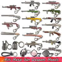 armas de metal al por mayor-1 UNIDS Metal Game Weapons Llavero para Gamers Mini Guns Casco Pan Llaveros Colgantes Juegos Accesorios Hebilla para llaves Regalos para compañeros de equipo Gamer