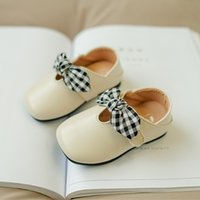 bebek kahverengi elbiseler toptan satış-0-1 Yaşında Yeni Brown Kız Prenses Siyah Beyaz Ekose Yay Deri Ayakkabı için Parti, Elbise Yumuşak PU Toddle / bebeğin Beşik Ayakkabı