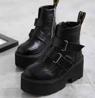 motosikletler çizme topuklu kadın toptan satış-2018 bayan botları perçin yan platformu kama yüksek topuklu kış kadın Punk motosiklet gotik ayakkabı buzağı Martin çizmeler