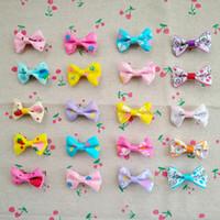 mini çiçekler saç tokaları toptan satış-100 ADET Mix Renk Mini Yay Tokalarım Tatlı Bebek Kız Katı Çiçekler Saç Klipler Çocuklar Tokalar Saç Aksesuarları Kadınlar Kızlar için