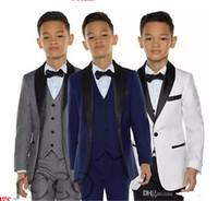 jungen grauen anzug großhandel-GRAU Jungen Smoking Jungen Abendessen Anzüge Drei Stück Jungen Schwarz Schal Revers Anzug Anzug Smoking für Kinder Smoking