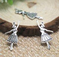 bailarinos de balé venda por atacado-25 Pçs / lote-Encantos Do Dançarino, Tom de Prata Tibetano antigo Ballet Dancing Girl Charme Pingentes 32x13mm