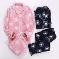 conjuntos de pijamas para parejas al por mayor-Conjuntos de pijama ocasionales de los pares Pijama de franela del otoño del pijama del invierno para las mujeres Tops y pantalones de dos piezas más grandes de la manga más tamaño Nuevo