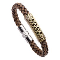 ingrosso magnetico in braccialetto in pelle intrecciata-Men's Snake Leather Rope Alloy Accessori Buckle Magnet Jewelry Rotating Braided Bracelet Punk Simple Fashion Casual Trend