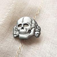 antik iğneler toptan satış-50 adet 3D Antik Gümüş Renk Dünya Savaşı II Kafatası Kemik Çapraz Iğneler Insignia Kap Pins İKINCI DÜNYA SAVAŞı Almanya Ordusu Yaka Pin Rozeti Broş
