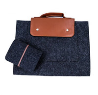 Wholesale New durable wool felt portable computer bag not only fashionable and beautiful but also practical