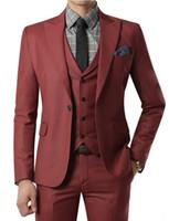 ingrosso tuxedo per il colore rosso rosso maschile-Abito rosso vino 2018 Abito da sposa su misura con pantaloni Smoking da uomo smoking color nero con revers un bottone (giacca + pantaloni + gilet + cravatta) S18101902