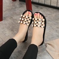 Wholesale Open Toe Pearl Heel - 2018 Women's flip clams flip flops diamond sandals flat shoes open toe Korean outdoor pearl women's