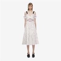 weiße große tupfen großhandel-Weiße Polka Dot Lace Mesh Stickerei Selbstporträt Kleid trägerlosen Haken hohlen Tunika große Schaukel Frau Kleid