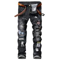 punk rock kot pantolonunu parçaladı toptan satış-YENI Biker Patchwork Slim Fit Siyah Kot Ile Erkekler Çizgili Kot Kot Punk Rock Rap Yıkanmış Düz Erkekler Pantolon Ripped Pantolon