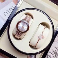 caja de reloj mujer libre al por mayor-Venta caliente de lujo Reloj de mujer de acero inoxidable Reloj de pulsera de señora Reloj de pulsera de marca de moda Reloj de diseñador Caja gratuita Relojes De Marca Mujer