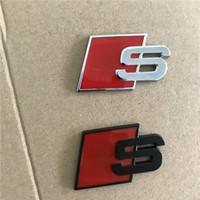acessórios do carro vermelho preto venda por atacado-Metal S Logo Sline Emblema Emblema Etiqueta Do Carro Vermelho Preto Frente Bota Traseira Da Porta Lateral apto Para Audi Quattro VW TT SQ5 S6 S7 A4 Acessórios