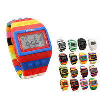 alarma al por mayor-Moda SHHORS hombres mujeres plástico popular reloj digital Candy Night Light Up intermitente impermeable Unisex Rainbow alarma pulsera relojes 200 unids