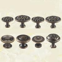 klozet kolları toptan satış-Modern Minimalizm Bronz Kolu Avrupa Tarzı Mobilya Dressers Göğüs Dolap Dolap Tek Delik Çekmece Kolları Vintage Yüksek Dereceli 2jm Ww