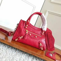 Wholesale alligator skin bag - Calf Skin Genuine Leather Purse Classic Female Handbags motorcycle vintage bag Women Famous Brands Designer Luxury Chain city mini bags