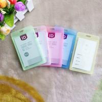 kartlı kimlik kartları toptan satış-8.5 * 5.4 cm Kartvizitlik Plastik Yeni Dayanıklı Sert IPX 3 Su Geçirmez KIMLIK Rozeti Tutucu Çalışan Adı Etiketi 5 Renkler AAA500