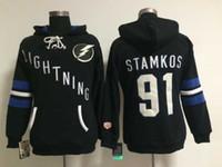 ingrosso vendita delle baia-Vendita calda Mens Tampa Bay Lightning 91 Steven Stamkos Nero Blu Migliore qualità Full Embroidery Logos Cheap Hockey su ghiaccio Hoodies