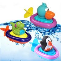 schwimmen krokodil spielzeug großhandel-Baby-Bad-Schwimmen-Spielzeug-Enten / Pinguin / Krokodil Clockwork spielen Schwimmen-Spielzeug für Kind-pädagogische Spielwaren-Säuglings-nettes Tierbad-Spielzeug