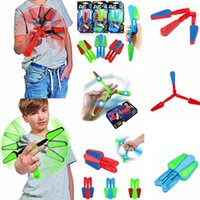 Wholesale Led Fingers - LED Flip Finz Spinner Butterfly Knifes Fidget Finger Hand Toys Spin Focus Spin EDC LED Light Kid Toy Decompression Toy FFA091 3colors 120pcs