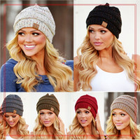 Wholesale Wholesale Winter Ski Hats - 9 Colors CC Hats Knitted CC Beanie Unisex Winter Oversized Chunky Skull Caps Soft Cable Knit Slouchy Crochet Hats Ski Hat YYA964 20pcs
