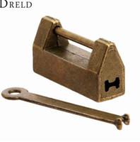 antik çekmece kutuları toptan satış-1 Adet Vintage Antik Demir Çin Eski Kilit Retro Pirinç Asma Kilit Bavul için Ahşap Kutu Asma Kilit Kilit Çekmece Dolap + Anahtar