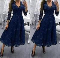 marinetee länge kleid für wedding großhandel-Dark Navy Tee Länge Lace V-Ausschnitt Mutter der Braut Kleider 3/4 Long Sleeves Appliqued A Line Formale Hochzeitsgast Abendkleider
