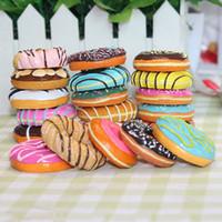 alimento do refrigerador do ímã venda por atacado-Donuts europeus Donut De Morango De Chocolate Biscoitos Imã de Geladeira Simulação Alimentos Frigorífico Adesivos Magnéticos Presentes Favor de Partido