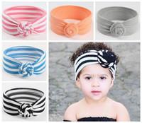 sevimli kız saç aksesuarları toptan satış-Kızlar için 2018 bebek düğüm headbands çizgili katı saç aksesuarları toptan bebek pamuk hairbands sevimli headwraps çocuk fotoğraf ...