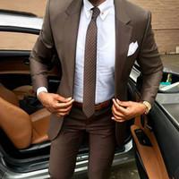 sastre de hombre a medida marrón esmoquin al por mayor-2018 Trajes de hombre Blazer marrón Trajes de negocios Trajes de boda Adelgazamiento Slim Fit por encargo Esmoquin a medida Mejor hombre Chaqueta de baile + Pantalones