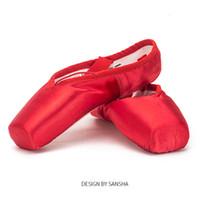 fitas de tênis de ballet vermelho venda por atacado-Sansha Ballet Pointe Sapatos de Cetim Superior Com Fita Meninas Mulheres Profissionais Sapatos de Dança Do Dedo Do Pé com Gel Silicone Toe Pads SP1.8 Vermelho