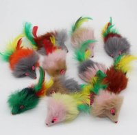 gebissene katze großhandel-Westrice langhaarige vielzahl von farben kaninchen schwanzfedern katzenspielzeug maus beißen amüsiert katzen mäuse spielzeug 20 stücke 3 cm