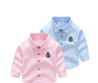 embalagem de gravata borboleta venda por atacado-Meninos e meninas 2018 novas camisas de algodão puro coreano bow-amarrado fabricantes de lapela jaqueta frete pacote direto