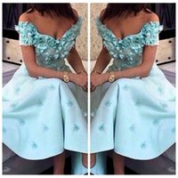 Wholesale ladies sexy image - 2018 Off Shoulder A-Line Cocktail Dresses Lace Appliques Short Sleeves Ladies Prom Gowns Saudi Arabia Special Occasion Party Dresses