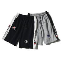 Wholesale shorts casual pants chiffon - skd Champ 2colors Men's Shorts Cotton print Stitching color Causal Shorts Men Casual Skateboard Short Pants Loose Streetwear b42