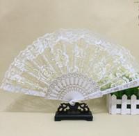 gelinli fan beyaz toptan satış-2018 Dantel Çiçek Düğün Hayranları El Yapımı Çin Popüler kanat chun fan dans Beyaz gül tomurcuk ipek fan Gelin Aksesuarları