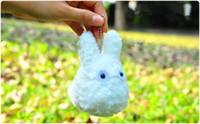 anime gehängt großhandel-10 teile / los Mein Nachbar Mini Weiß Totoro Japanischen Anime Kleine Plüsch Anhänger Whosale Stofftier Hängende Charme
